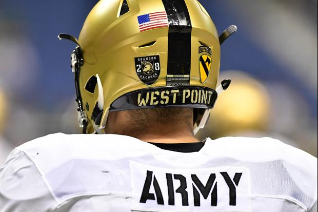 Army Lineman Headbutted His Coach During A Timeout & Almost Knocked Him Out