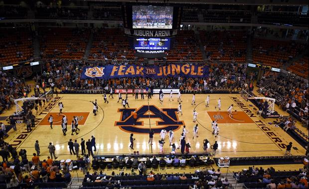 Auburn Fan Yelled Racist Remark During Tennessee Game Got Ejected & Banned