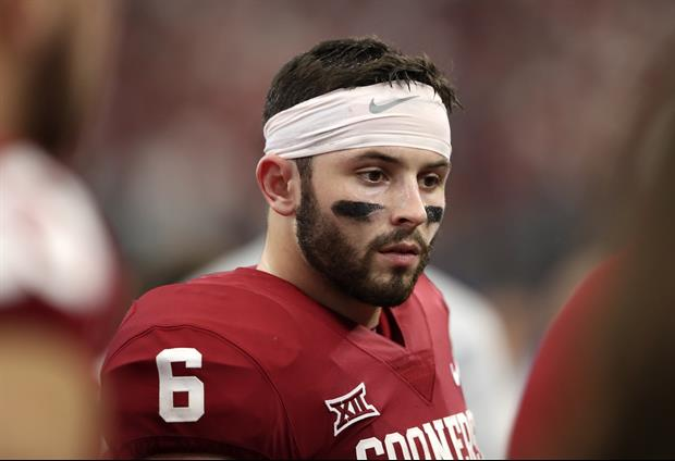 Oklahoma QB Baker Mayfield Got Off Bus Carrying A 'Pretenders' Sign