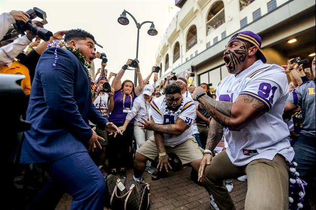 Watch Breiden Fehoko Got The Lsu Weight Room Hyped By