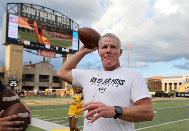 Brett Favre Tells Story About How Learned What A Nickel Defense Was 2 Years Into League