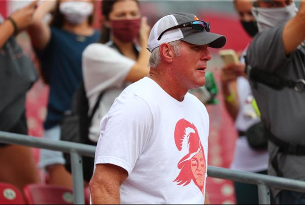 Here's Brett Favre Crushing Bag Of Chips While Wearing Tom Brady Shirt At Bucs Game