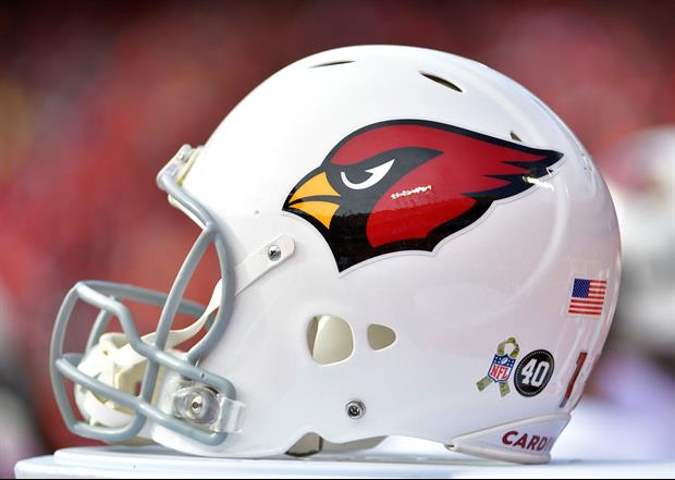 Ref Causes Cardinals Muffed Punt By Hitting Football With Flag