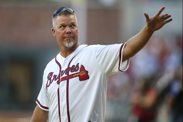 Watch Braves Legend Chipper Jones Drop Routine Pop Fly Foul Ball In Stands Today