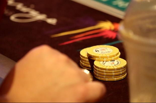 Watch Friends Put 100k On Number In Roulette, Hit It And Win $3.6 Million