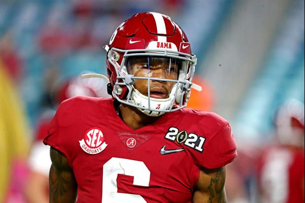 Alabama WR DeVonta Smith rocked the crimson threads with the Heisman face-mask. prior to last night'