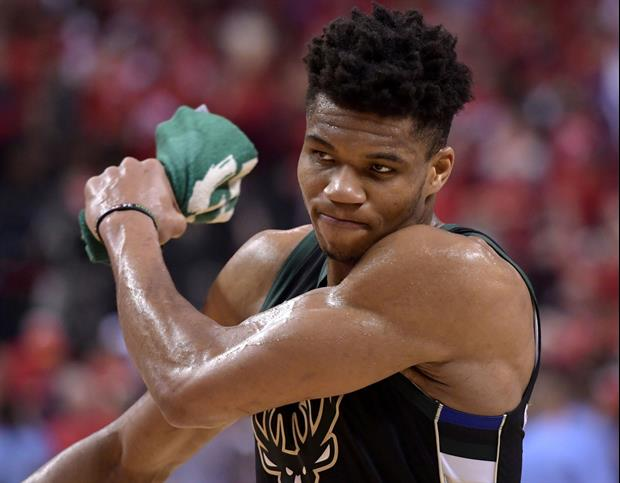 Watch Bucks Star Giannis Antetokounmpo Just Get up & Walk Out Of Post-Game Presser