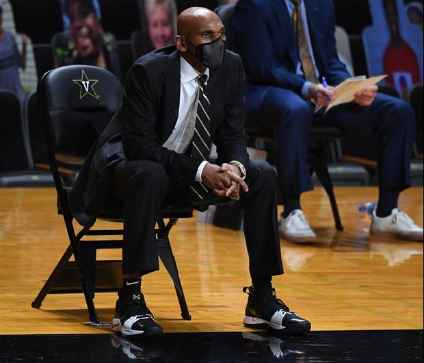 Jerry Stackhouse Was Not Happy About Coach Cal Flipping Him A Peace Sign After Vandy Loss