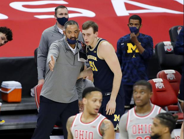 Here's Why Michigan Basketball Staff Member Was On His Phone During Ohio State Game