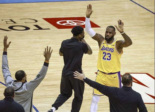 LeBron James Hits No-Look 3-Pointer Mid-Game To Win $100 Bet W/ Dennis Schroder