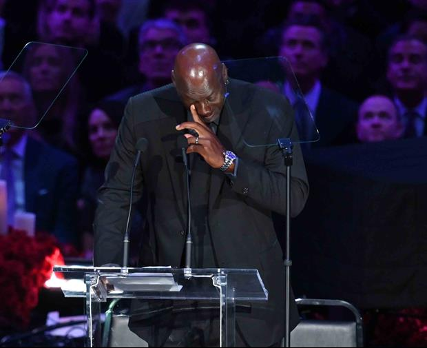 Michael Jordan Refuses To Erase These Final Kobe Bryant Texts From Phone.........
