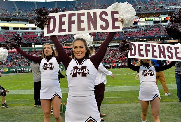 Mike Leach Crashed MSU Classes With Cheerleaders To Introduce Himself To Students