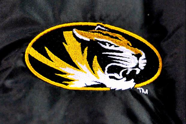 Missouri Will Wear These Awesome Navy Football Helmets Against Florida