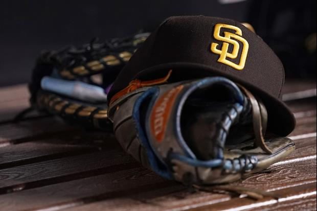 Padres Fans Brawl In Stands During Loss To Giants