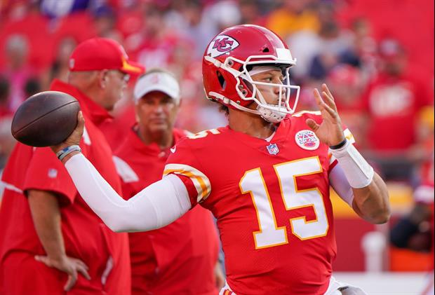 Patrick Mahomes Jumps On Stage At Kane Brown Concert, Fires Up Crowd