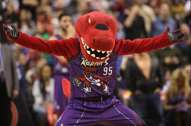 Raptors Might Move To Louisville This Year If Canada Won't Let The NBA Play In The Country