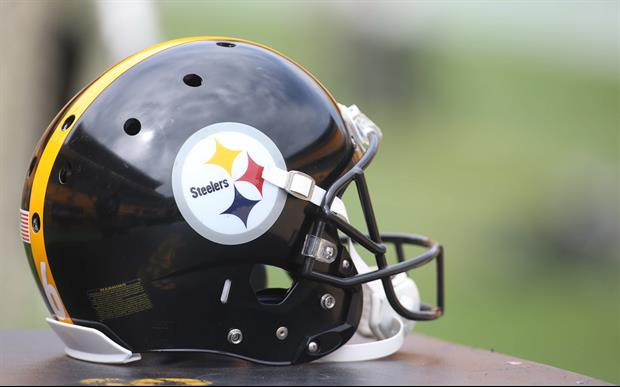 Watch Steelers D-Linemen Physically Get Into It On The Sideline
