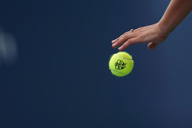 Video of These Skydivers Played Catch With A Tennis Ball In The Sky