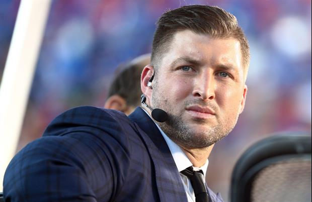 Tim Tebow & His Fiancé Were On Sideline To Watch Florida Lose To Georgia Few Weeks Ago