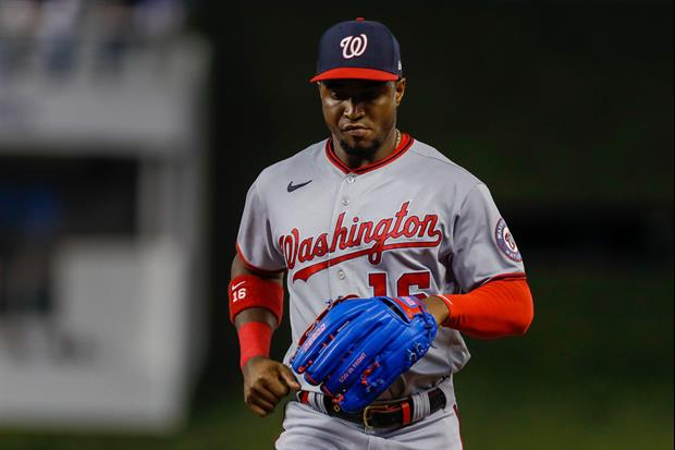 Nationals Victor Robles Played Entire Inning With Live Praying Mantis On His Head